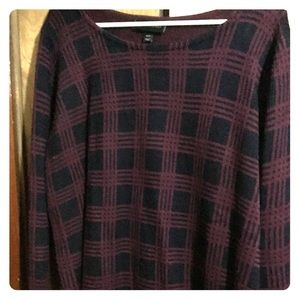 Black and wine colored long sleeve knit sweater